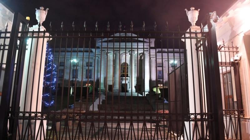 Польша объявила о высылке трех российских дипломатов